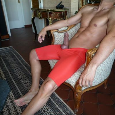 Jun, 2017's top guy annecy wearing Running shorts Cuissard rouge